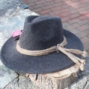 Shihreen 100 wool brimed hat